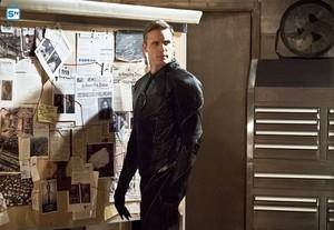 The Flash - Episode 2.22 - Invincible - Promo Pics