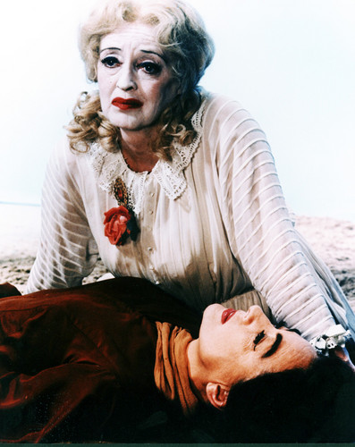What Ever Happened to Baby Jane? karatasi la kupamba ukuta called What Ever Happened to Baby Jane?