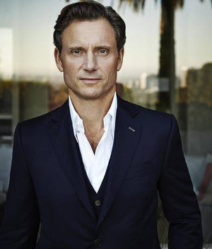 tony goldwyn featured