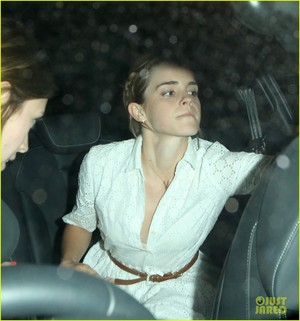 Emma Watson leaving the Chiltern Firehouse (June 9) in Londres