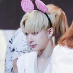 ♥ Handsome and sexy Wonho ♥