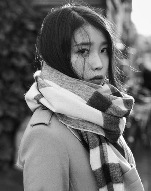 160516 Unreleased photo of IU from Marie Claire