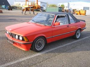 BMW 323i Baur TC1 (E21)