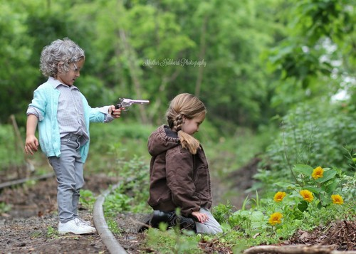 the walking dead wallpaper possibly with a daun, mulsa called Baby Carol & Baby Lizzie