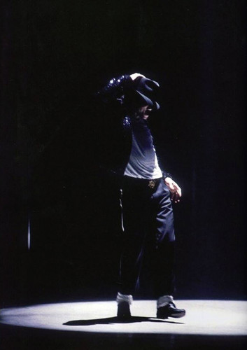 Michael Jackson Wallpaper With A Concert Entitled Billie Jean Live