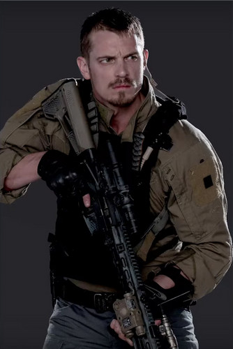 Suicide Squad 바탕화면 containing a rifleman, a green beret, 피로, 피로감, and 군복 entitled Character Promos - Joel Kinnaman as Rick Flag