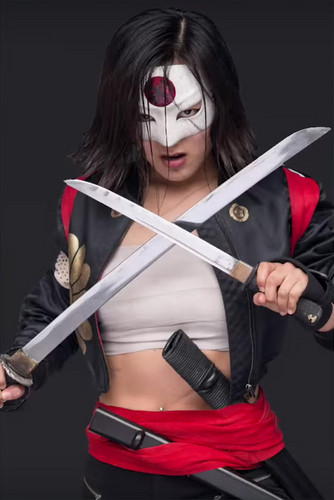 Suicide Squad karatasi la kupamba ukuta with a lippizan, a falchion, and a horse trail called Character Promos - Karen Fukuhara as Katana