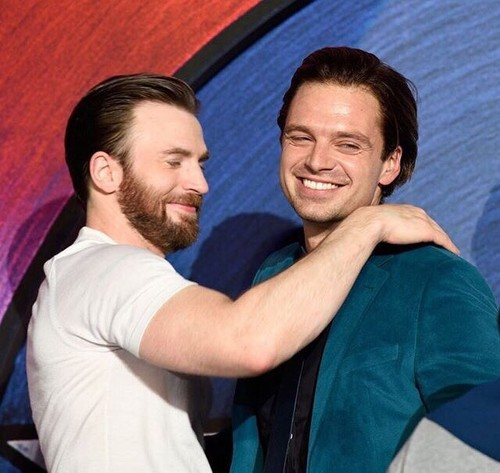 Chris Evans & Sebastian Stan 壁紙 called Chris Evans and Sebastian Stan