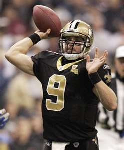 NFL 壁紙 probably containing a テイルバック, テールバック, 渋滞 and a quarterback titled Drew Brees