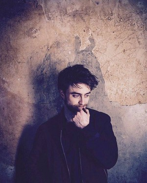 Ex: Daniel Radcliffe picture from Sarah Dunn photoshoot 2015. (Fb.com/DanielJacobRadcliffeFanClub)