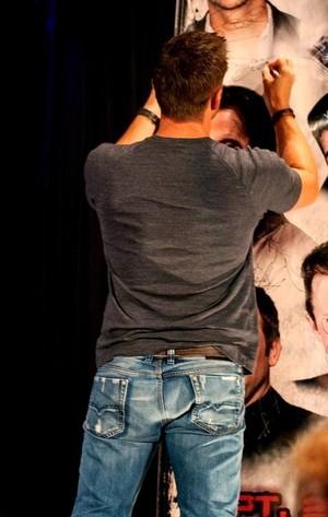 Jensen Ackles (backside)