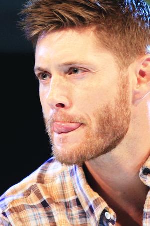 Jensen Ackles (tongue porn xD)