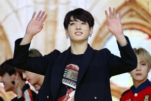 Jeon Jungkook | HQ चित्र ♥