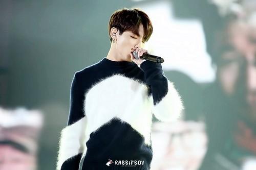 Jungkook (BTS) achtergrond entitled Jeon Jungkook | HQ foto ♥