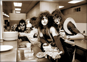 Kiss ~Detroit, Michigan…January 24, 1976 (Airport Hilton)