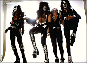 KISS ~Los Angeles, California…May 30, 1975 (White Room session)