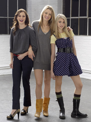 Leighton Meester , Blake Lively and Taylor Momsen.