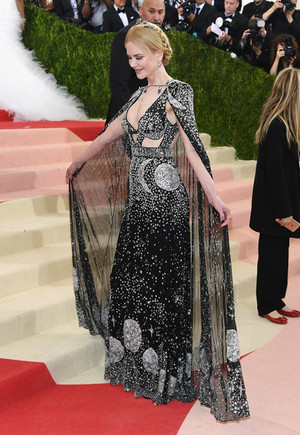 Nicole Kidman Manus x Machina Fashion Age