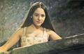 Olivia Hussey003