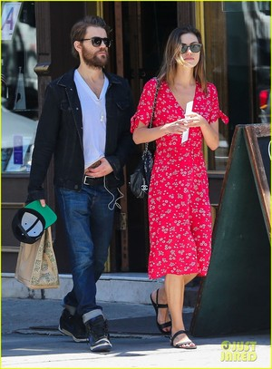 Paul Wesley and Phoebe Tonkin Run Errands Together in NYC