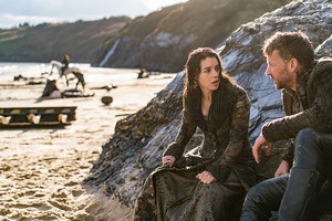 """Reign """"Clans"""" (3x16) promotional picture"""