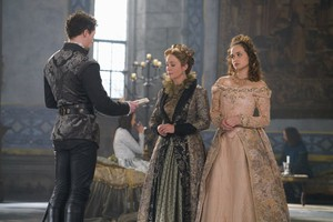 "Reign ""Spiders in a Jar"" (3x18) promotional picture"