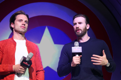 Chris Evans & Sebastian Stan 바탕화면 called Sebastian Stan and Chris Evans
