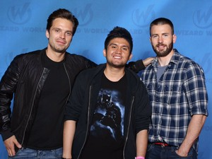 Sebastian and Chris with a fã