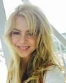 Shakira Smile - shakira photo
