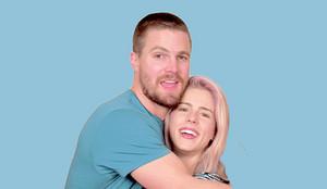 Stephen Amell And Emily Bett Rickards (COH2)