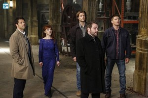 Supernatural - Episode 11.22 - We Happy Few - Promo Pics