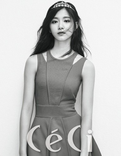 Twice (JYP Ent) achtergrond titled TWICE for '' CeCi''