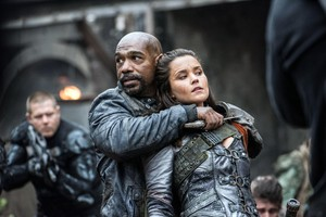 "The 100 ""Join atau Die"" (3x13) promotional picture"