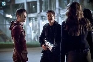 The Flash - Episode 2.23 - The Race of His Life (Season Finale) - Promo Pics