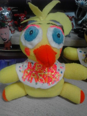 Toy Chica Plushy 1