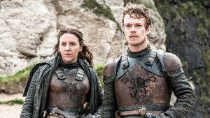 Yara and Theon Greyjoy in 'The Door'