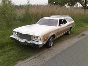 ford station wagon 1976