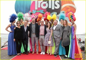 justin timberlake anna kendrick cannes for trolls