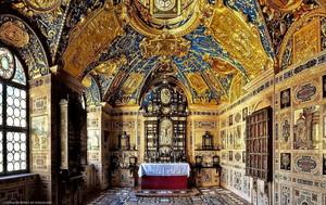 munich residenz ornate chapel door pingallery d462g17