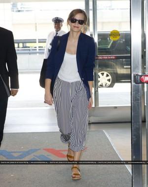Emma Watson departing JFK airport [May 30, 2013]