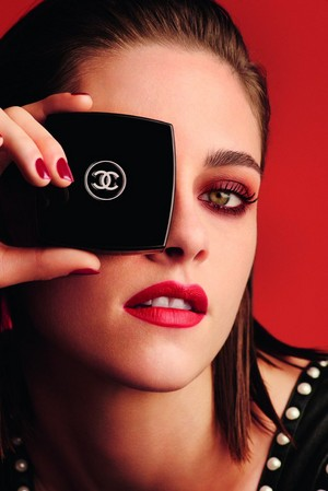 Kristen For Chanel's Fall 2016 Le Rouge Collection
