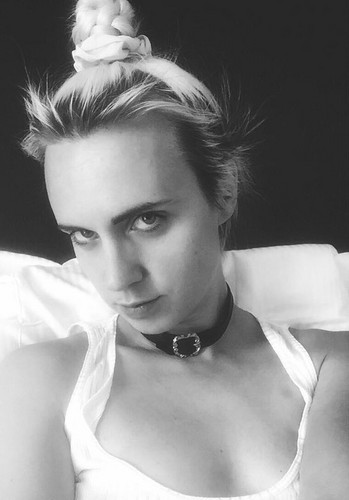 MØ wallpaper possibly containing a portrait called MØ