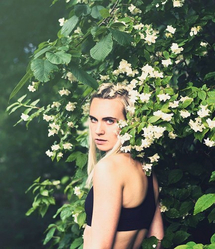 MØ wallpaper possibly with a flowerbed titled MØ