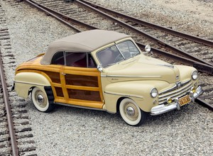 1947 Ford Super Deluxe Sportsman Cabriolet