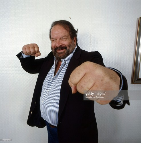 Bud Spencer karatasi la kupamba ukuta containing a business suit, a suit, and a well dressed person called 470676736