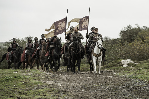 Game of Thrones پیپر وال containing a green beret, a lippizan, and a horse trail entitled 6x10- The Winds of Winter