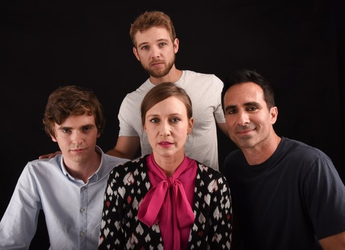 Bates Motel karatasi la kupamba ukuta called Bates Motel Cast at Comic Con 2016