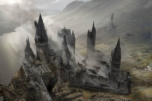 Harry Potter karatasi la kupamba ukuta entitled Battle of Hogwarts Concept Art