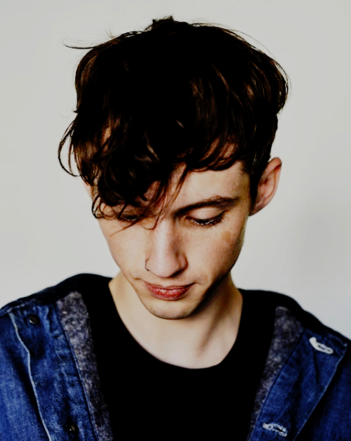 Troye Sivan Images Behind The Scenes With Wallpaper And Background Photos