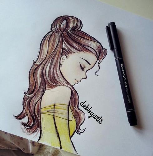 Belle karatasi la kupamba ukuta called Belle Drawing
